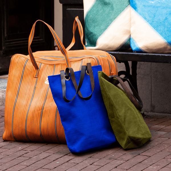 Kitsch Kitchen - Shopper Leather Strap Sfeer